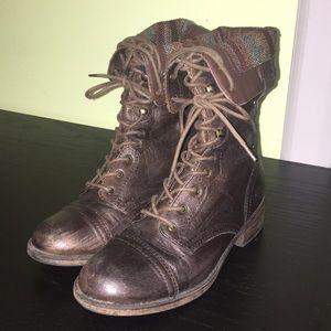 Vintage Looking Brown Boots